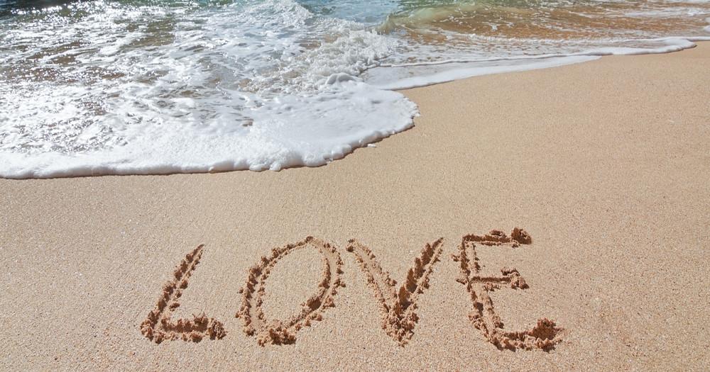 romantic travel beach heart