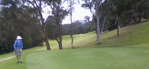 mtanner-putting-at-lane-cove-golf-course-2014