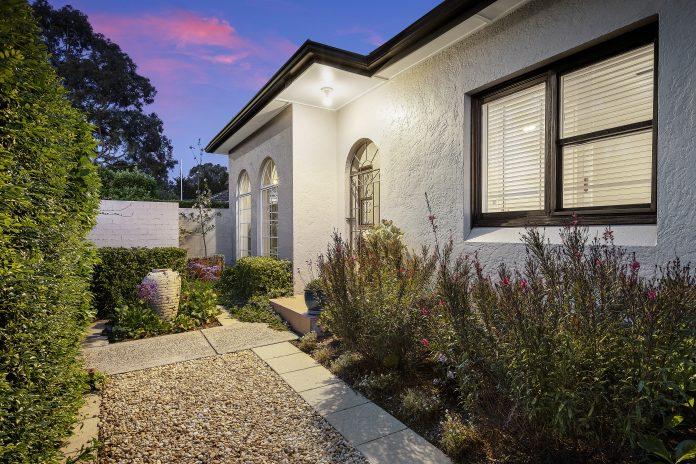 214 Burns Bay Road, Lane Cove, NSW 2066